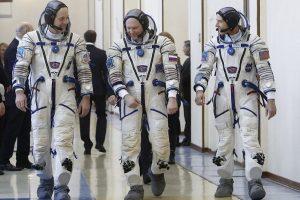 Ar žinote, kaip pasaulyje vadinami į kosmosą skrendantys žmonės?