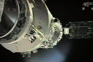 Kinijos kosminė stotis Žemės atmosferą turėtų pasiekti pirmadienį