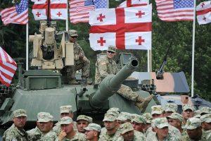 JAV į Gruzijoje vyksiančias pratybas nusiųs karių, tankų ir sraigtasparnių
