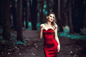 Naują dainą pristatanti Dagna tiki iš kojų verčiančia meile