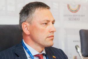 V. Bakas: norime parodyti visuomenei šešėlinį politikos procesą
