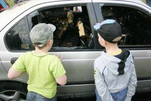 Per parą eismo įvykiuose sužaloti penki vaikai