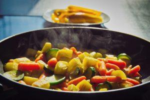 Tyrimas atskleidė, kad lietuviai vis labiau domisi sveika mityba