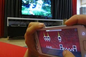 Tyrimas atskleidė, kad išmanieji prietaisai vaikams nežada nieko gera