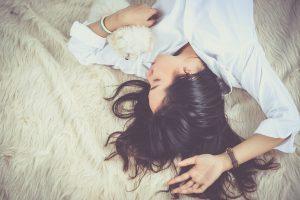 Reto sindromo kamuojama moteris: susivokiau, kai nualpau
