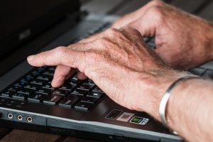 Sudie, kompiuteri, lik sveikas, telefone: 5 patarimai saugiam atsisveikinimui