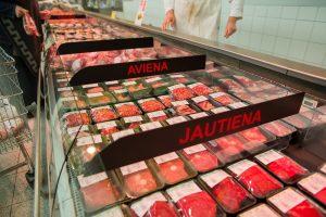 Sugriautas didžiausias mitybos mitas – raudona mėsa bei pienas yra naudingi sveikatai