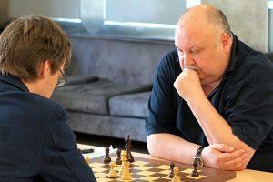 Mirė vienas geriausių Lietuvos šachmatininkų A. Kveinys