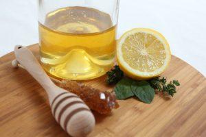Lietuviai ginasi nuo peršalimo – perka vis daugiau medaus (receptai)