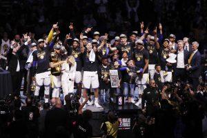 """""""Warriors"""" krepšininkai  – NBA čempionai"""