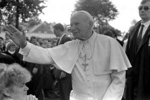 Šilainiuose turėtų atsirasti Šv. Jono Pauliaus II aikštė