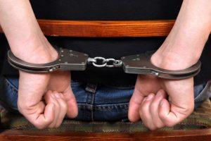 Joniškio rajone rastas negyvas vyras, sulaikyti trys vyrai