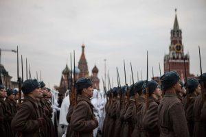 Rusijoje trys septynmečiai gavo šaukimus į karinę tarnybą