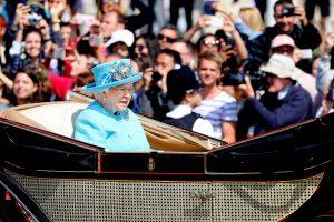 Garsūs aktoriai sulaukė Britanijos karalienės apdovanojimų