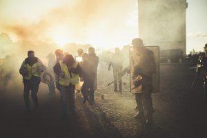 E. Macronas ketina uždrausti demonstracijas Eliziejaus Laukuose