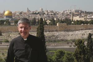 Kelionių vadove nugulė arkivyskupo L. Virbalo žinios ir patirtys iš Šventosios Žemės