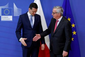 ES pradeda teisinę procedūrą prieš Lenkiją dėl Aukščiausiojo Teismo reformų