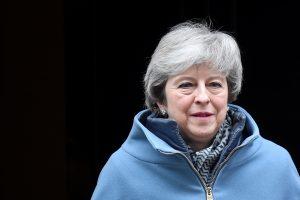 """Th. May spaudžia Briuselį, kad būtų patvirtintas """"Brexit"""" susitarimas"""