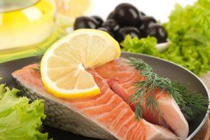 Naujųjų šventinio stalo populiariausi – citrusiniai vaisiai ir lašiša