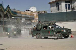 Kabule per mirtininko išpuolį žuvo 12 žmonių, 31 sužeistas (atnaujinta)