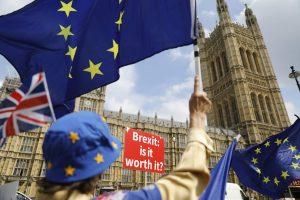 """Rusija įtariama dariusi įtaką ir """"Brexit"""" referendumui"""