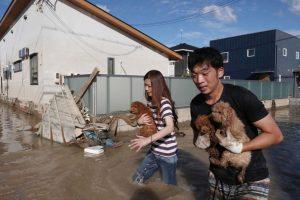 Japonijoje potvynių ir nuošliaužų aukų padaugėjo iki 179