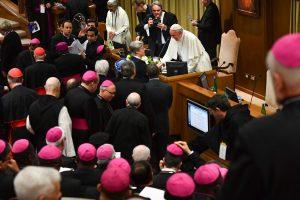 Vatikane prasidėjo susitikimas dėl lytinių nusikaltimų Bažnyčioje