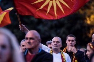 """Makedoniečiai protestavo prieš naują šalies pavadinimą siūlančius """"išdavikus"""""""