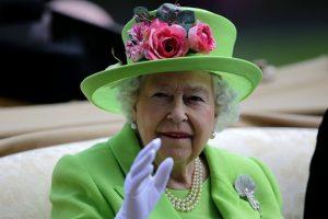 """Elizabeth II """"dėl blogos savijautos"""" praleido renginį Londone"""