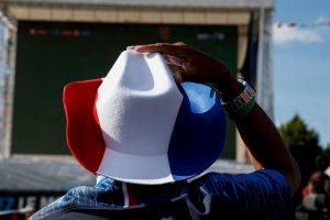"""Prancūzijos parlamentas iš konstitucijos išbraukia """"rasę"""" ir įtraukia lyčių lygybę"""