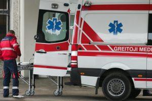 Dviejų automobilių avarija kelyje Šakiai-Bridžiai: nukentėjo trys žmonės