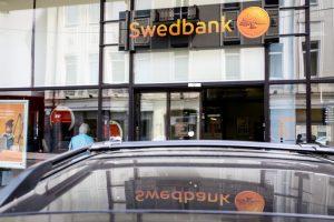 """Estijos banko viceprezidentas: """"Swedbank"""" klientai neturėtų jaudintis"""