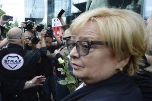 Į pensiją verčiama eiti Lenkijos AT pirmininkė priešinasi naujam įstatymui