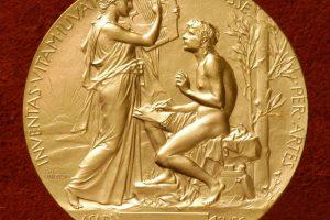 Gilioje krizėje atsidūrusi Švedijos akademija neskirs Nobelio premijos