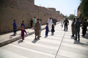 Pareigūnas: per išpuolį Afganistano valdžios įstaigoje žuvo mažiausiai du žmonės