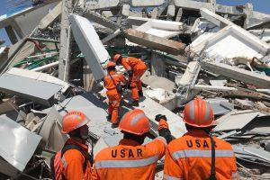 Indonezijoje po žemės drebėjimo iš kalėjimų pabėgo šimtai nuteistųjų
