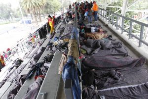 Į JAV keliaujantis migrantų karavanas pasiekė Meksiką