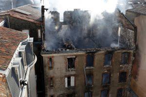 Prancūzijoje daugiabutyje kilus gaisrui sužeisti 22 žmonės