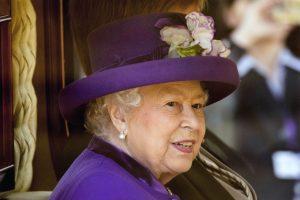 """Karalienė Elizabeth II pirmą kartą pakomentavo """"Brexit"""""""