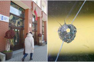 Mieste siaučia vandalai: šįkart smaginosi Puodžių gatvėje