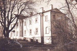 Aukštosios Fredos dvaro tyrėjai veria rūmų istorijos duris