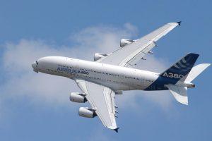 """Naujosios Zelandijos sostinėje nusileido """"ilgiausio pasaulyje reiso"""" lėktuvas"""