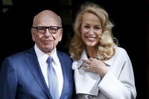 R. Murdochas Londone vedė manekenę J. Hall