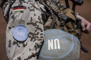 Daugiau kaip pusė vokiečių nenorėtų, kad jų kariai gintų Baltijos šalis
