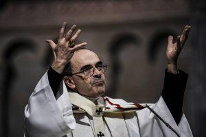 Popiežius: į pedofilijos skandalą įtrauktas kardinolas neturi skubėti atsistatydinti