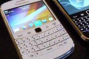 """Apsaugai nuo hakerių """"Sony"""" pasitelkė senus """"BlackBerry"""" telefonus"""