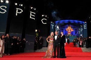 """Į iškilmingą filmo """"Spektras"""" premjerą atvyko ir karališkoji šeima"""