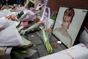 """Vokietija dėkoja D. Bowie už """"pagalbą nugriaunant"""" Berlyno sieną"""