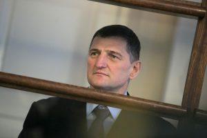 Lukiškėse darbo negavęs H. Daktaras kalėjimą padavė į teismą