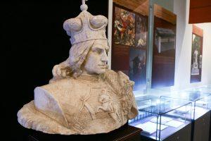 Istorikas: mitas, kad lenkai pradangino Vytauto Didžiojo karūną